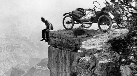Tourist at the edge of the Grand Canyon, ca. 1914