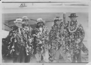U.S. Congressman Carter Glass, Lincoln Holstein (1865-1943), Kuhio, Congressman Phillip Campbell of Kansas, and Honolulu mayor John C. Lane (1872-1958)-PP-9