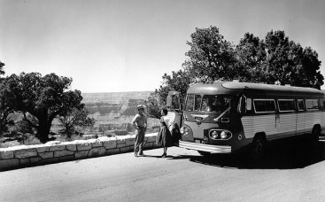 Vintage-Grand-Canyon-Bus