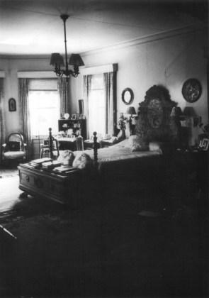 Walker_Estate-master-bedroom-(NPS)