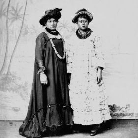 women_holoku_1880s_williams_square