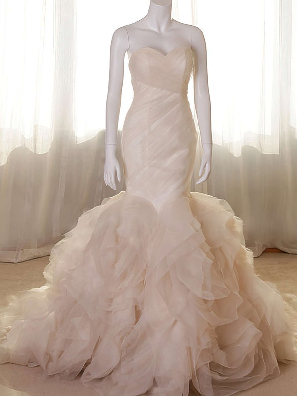Elegant Sweetheart Champagne Wedding Gown