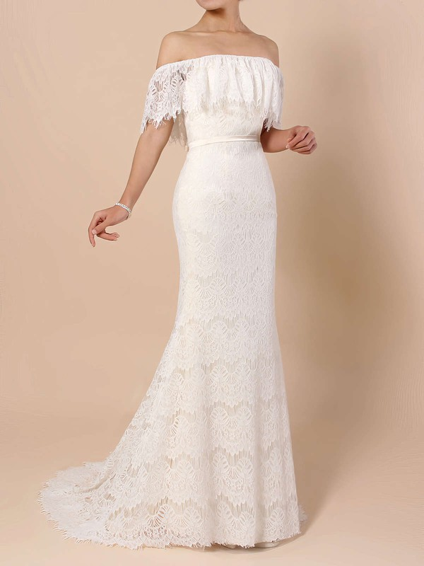 Elegant Lace Ivory Wedding Gown