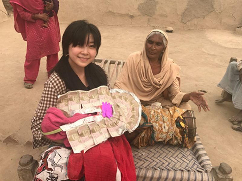 RDS_190428_Chinese_woman_hosts_Pak_travel_show_15-1556447563081
