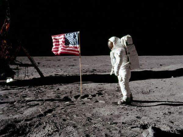 NASA in mega deal with Lockheed for moon mission 2024; aims to land at least two astronauts