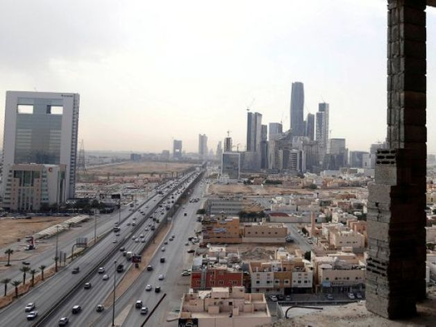 Saudi Arabia: Domestic workers excluded from labour reforms | Saudi – Gulf News