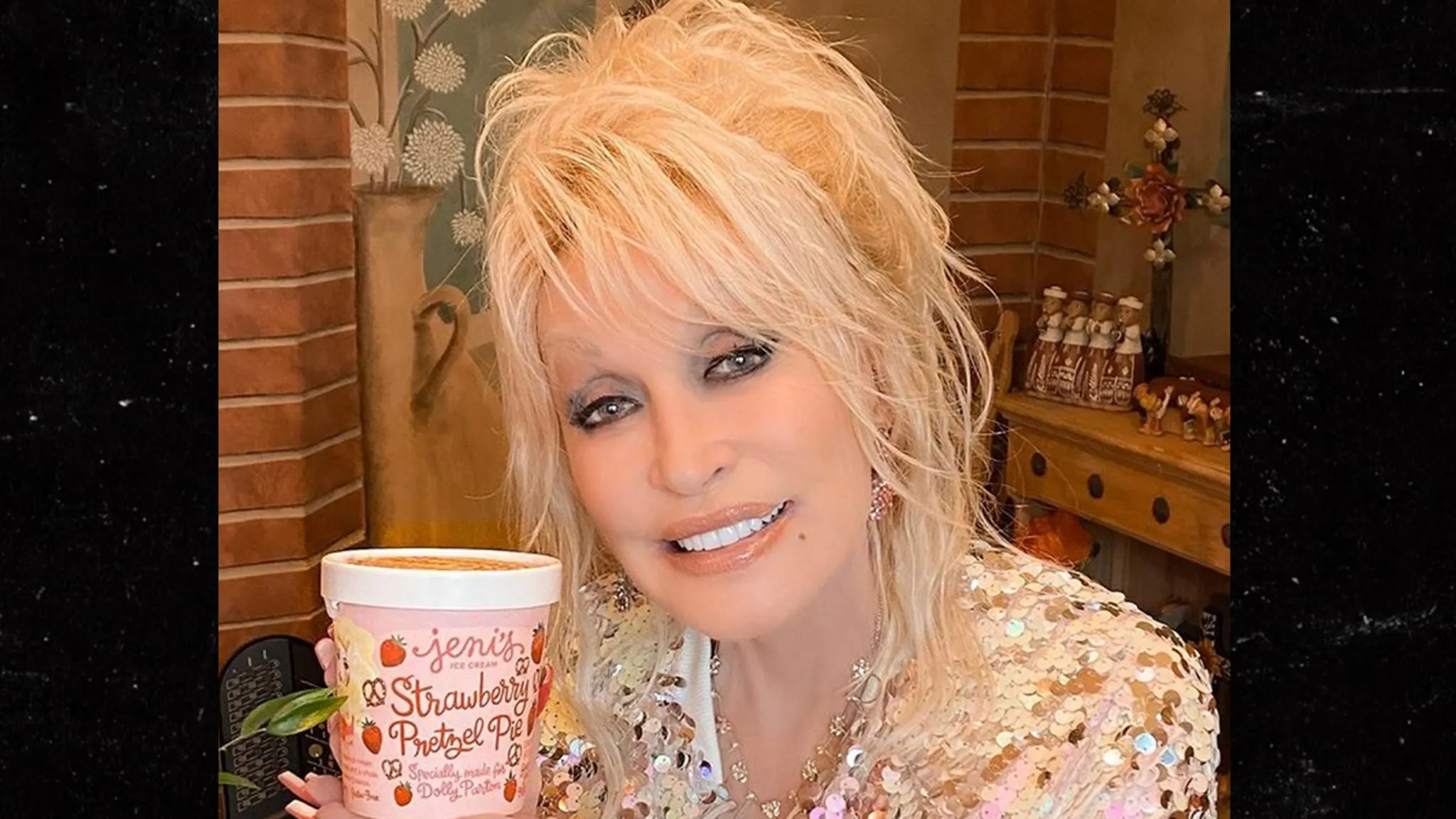 Dolly Parton's Ice Cream Flavor Hawked on eBay for $ 1,000