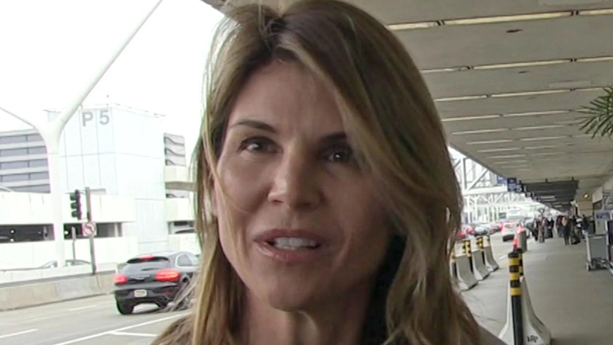 Lori Loughlin's Bid To Dismiss College Bribery Case Rejected by Judge