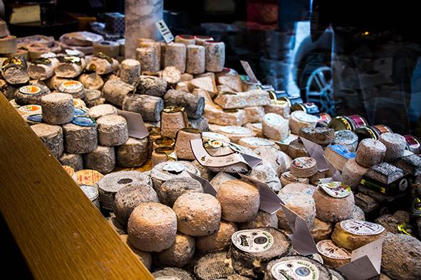 Para quem curte uma viagem gastronômica a Ille de Saint Louis também vale a pena... Chocolates, macarrons e ... queijo, muito queijo! © Marina Aurnheimer / Imagina na Viagem