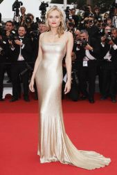 http://www.harpersbazaar.com/celebrity/red-carpet-dresses/100-most-iconic-red-carpet-dresses#slide-101