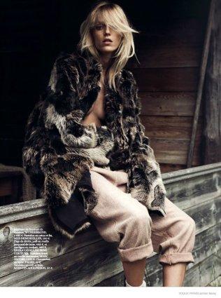 anja-rubik-cozy-knitwear02