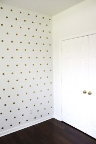 http://www.itstaylormade.com/2014/04/how-to-do-a-patterned-dot-wall.html
