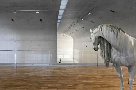54336d02c07a80cbe80000e8_long-museum-west-bund-atelier-deshaus_contemporary_art_gallery_2nd_floor_05