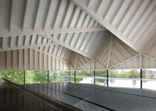 Alfriston-Swimming-Pool-by-Duggan-Morris_dezeen_784_5