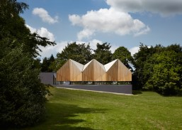 Alfriston-Swimming-Pool-by-Duggan-Morris_dezeen_784_6