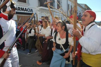 Ana Mari Romero ha creado vestuario para la Recreación histórica de la Guerra de la Independencia en El Bosque. Foto: ANTONIO ROMERO. LA VOZ DE CÁDIZ