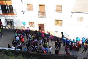El ascensor que necesita Miguel está previsto en la fachada, entre el balcón y la farola. Foto: ÁNGEL MEDINA LAÍN.