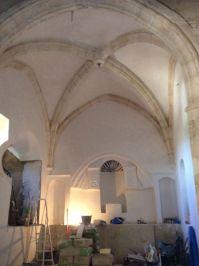 Imagen actual del altar, con el camarín de finales del siglo XVIII a la izquierda de la imagen.