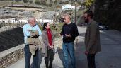 Los responsables de Diputación de Cádiz conversan con el alcalde Rafael Vargas y el concejal Daniel Camacho.