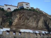 Impresionante imagen del pecho saliente de Los Cortinales sobre Las Calcetas. Foto: ÁNGEL MEDINA LAÍN.