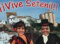 Modesto Barragán y su hermana Charo, perfectamente integrados en el paisaje setenileño.