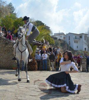 Secuencia del baile ecuestre-flamenco de José Luis Molinillo, que interpreta al protagonista Francisco Tudó, y Marina Barriga, que encarna a Laura Escudero. Foto: MARIA GUZMÁN JIMÉNEZ
