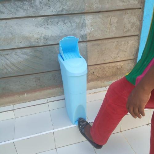 sanitary-bin-pedal-18l-blue-2