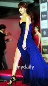 Kim Sun Ah, with shoes to die for