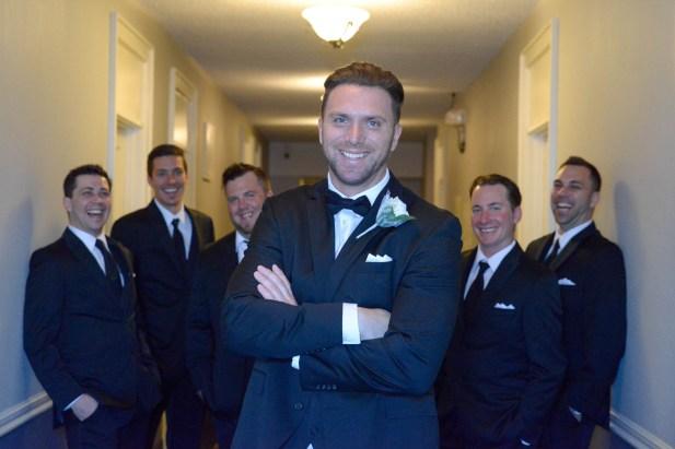 Thunder_bay_wedding_groom20160411_03