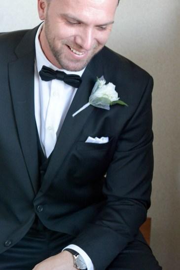 Thunder_bay_wedding_groom20160411_04