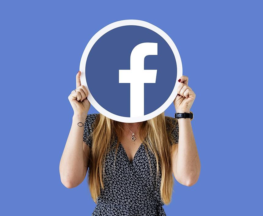 Redes Sociales Facebook mujer