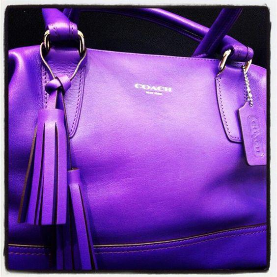 couleur-pantone-ultra-violet-imaginezvous-conseil-en-image-sac
