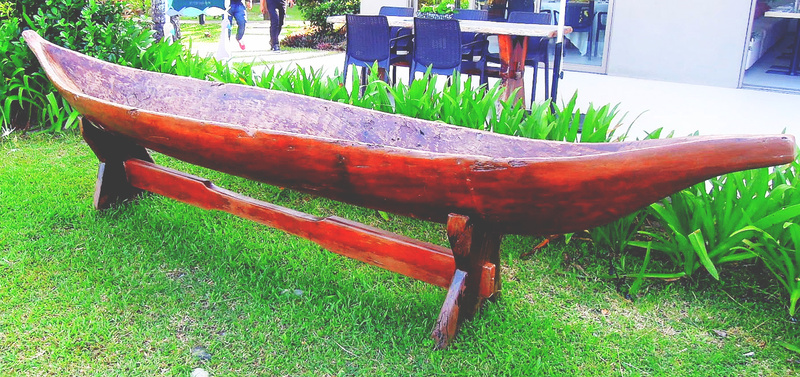 A banca (boat) made out of a single piece of tree trunk