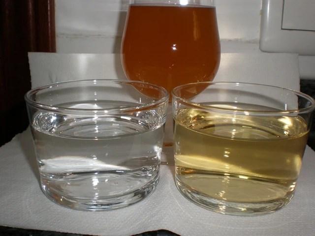Agua, vino y cerveza