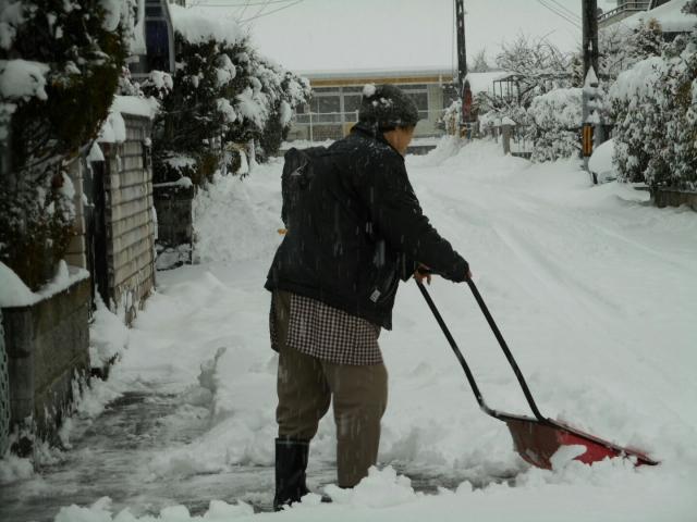雪かき コツ