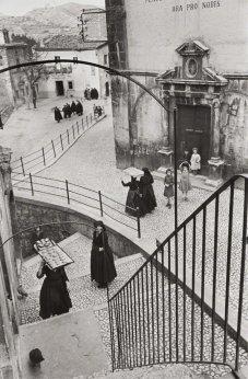 Henri Cartier-Bresson, ITALY. Abruzzo. Scanno. 1951. @Henri Cartier-Bresson   Magnum Photos