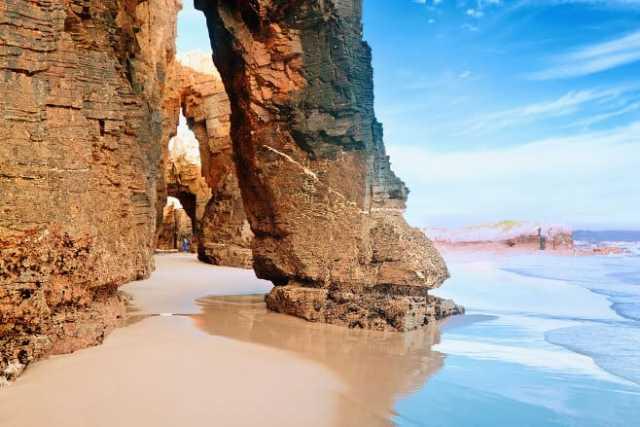 que ver en el norte de España playa de las catedrales