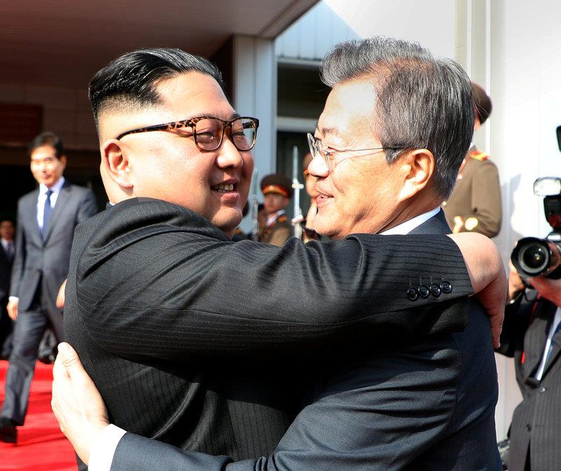 Resultado de imagen de Moon Jae-in i Kim Jong-un es reuneixen