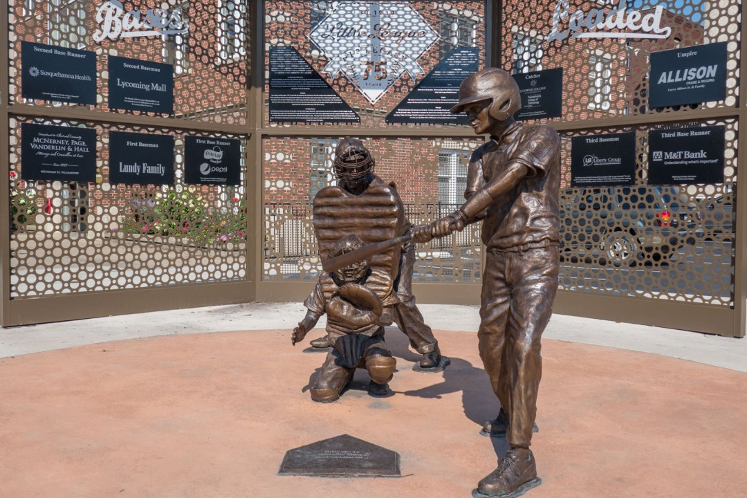 Bases Loaded Statue Williamsport