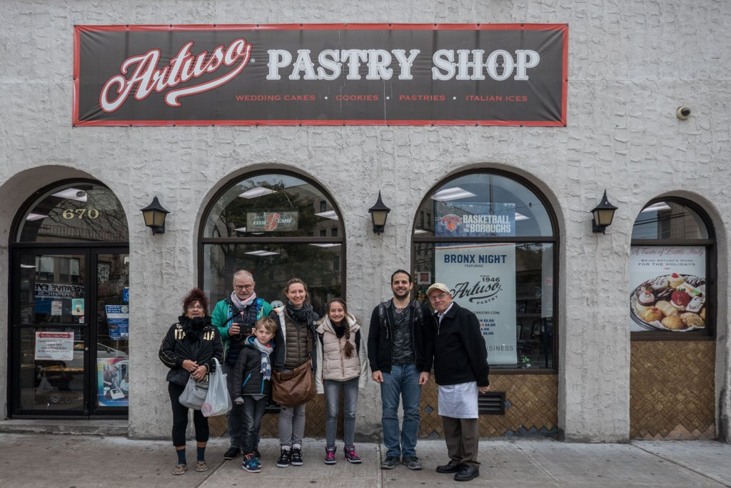 group-photo-artusos-bronx-little-italy-1600x1067