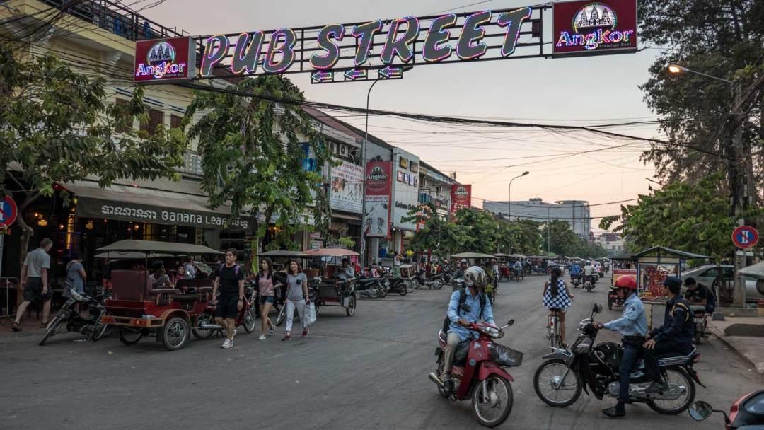 Siem-Reap-Pub-Street-1600x900