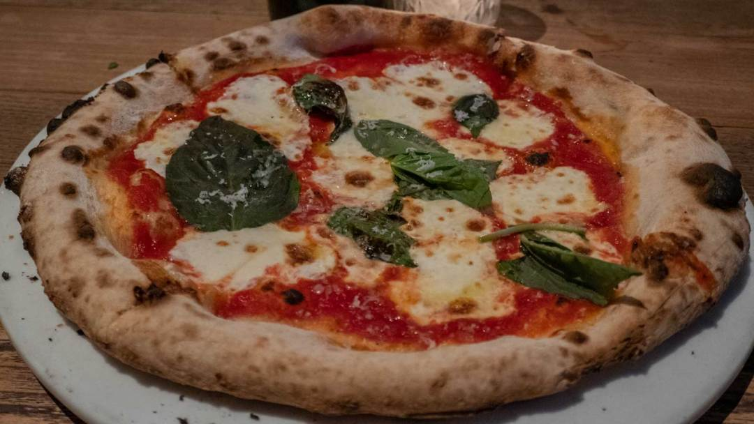 margherita classica pizza at Fornino Greenpoint Brooklyn