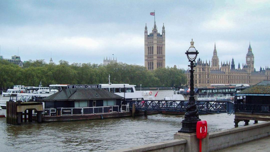 5 WAYS TO IMMERSE YOURSELF IN LONDON'S BRITISH CULTURE