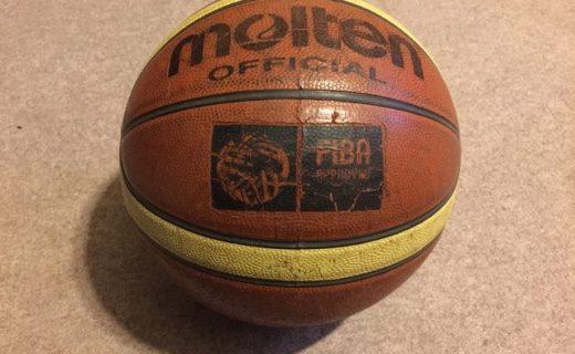 バスケットボールの練習に参加