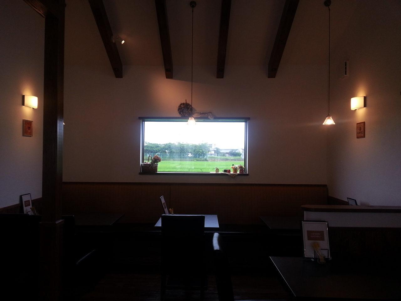 かわいいカフェ・しっくな喫茶店の設計・デザイン、オープン・開店支援|CAFE日和マチブリの居心地の良い客席