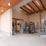 石材店・墓石屋の新築設計・店舗デザイン|展示ショールーム入り口