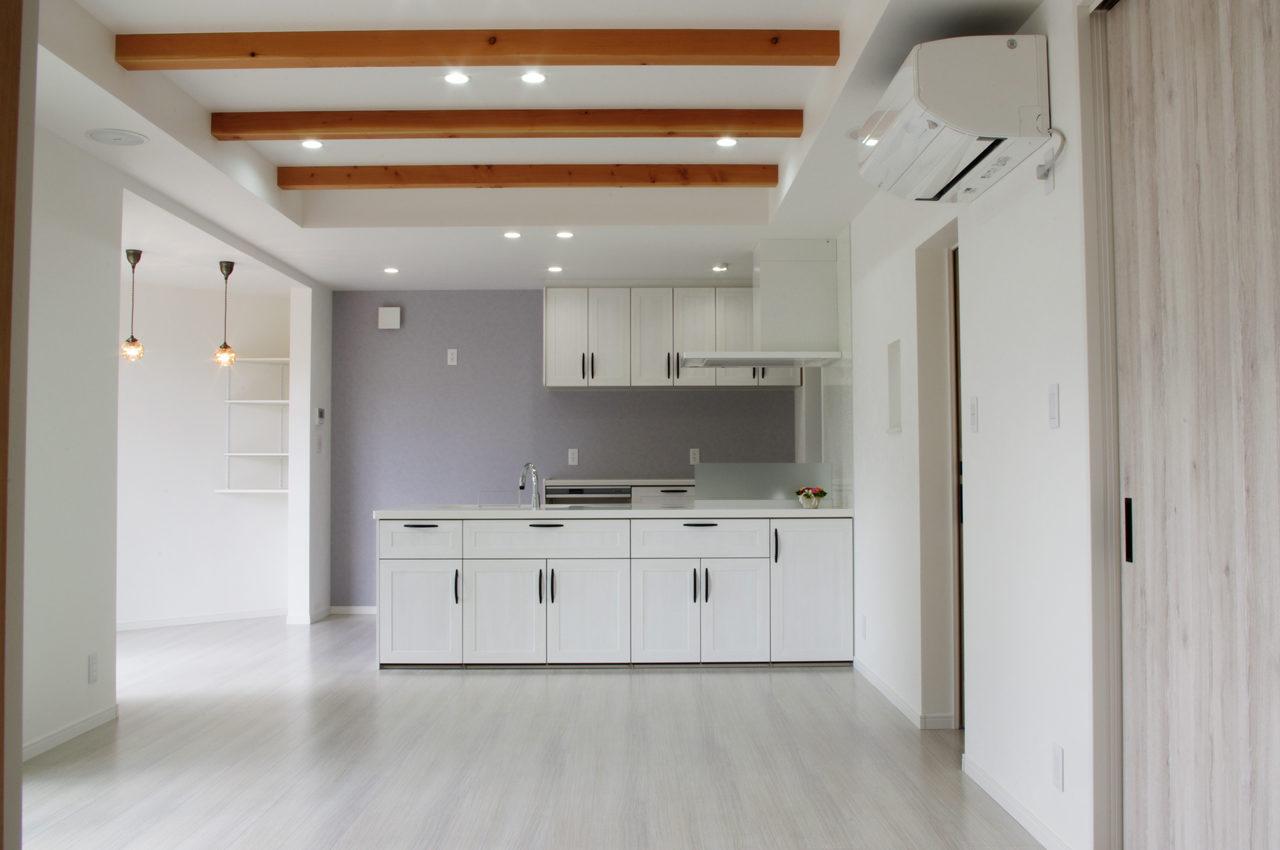 愛知県江南市のかわいい注文住宅の新築設計、デザイン