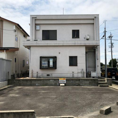 空き家を賃貸住宅へリノベーション改装工事の既設東面