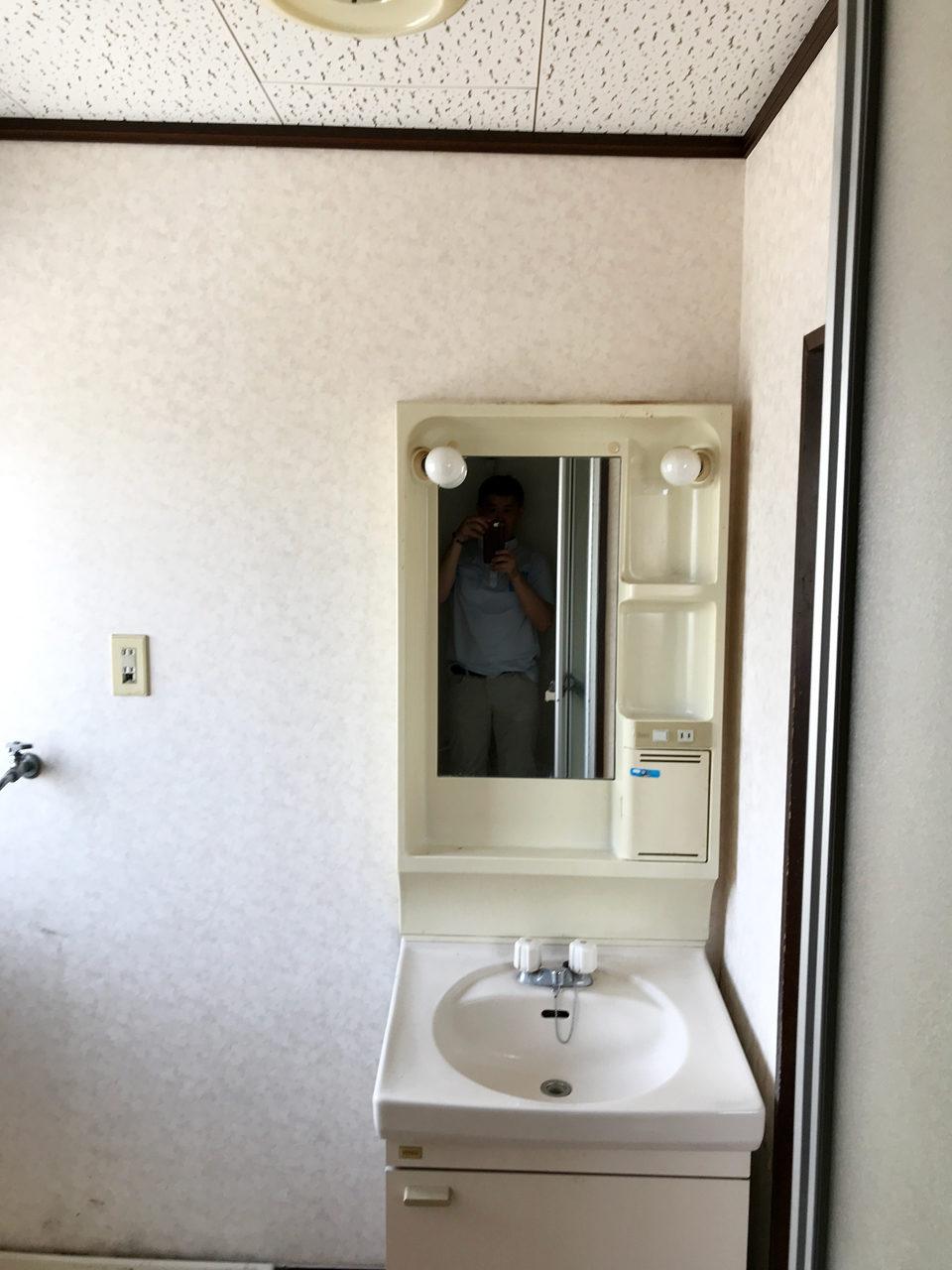 賃貸住宅リノベーション改装設計、デザイン前の洗面・脱衣室