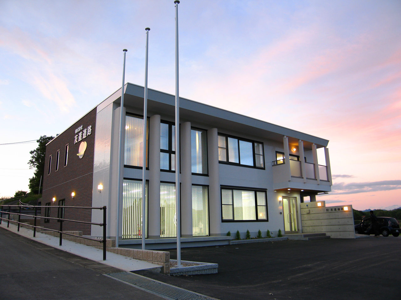 事務所併用ホームエレベーター付きバリアフリー住宅の新築設計